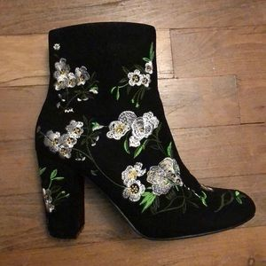 LIKE NEW - Forever 21 floral boots